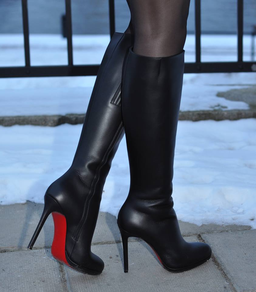 the latest 8aec4 2b48c christian louboutin botalili boots
