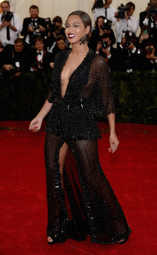 givenchy-haute-couture-met-gala-met-ball-Beyonce+Knowles+Red+Carpet+Arrivals+Met+Gala+xY2IvRr6lWwx