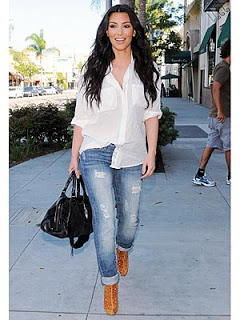 fashion-trend-ripped-jeans-fall-winter-2009-fashion-9-kim-kardashian-keeping-up-with-the-kardashians
